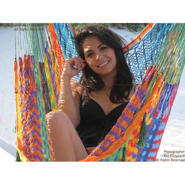 Multicolor hengekøye stol i store fleksible nett
